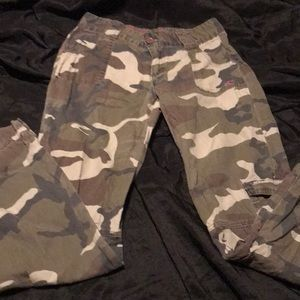 Women's O'Neill camouflage pants size 3